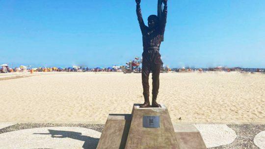 Copacabana ganha estátua de Ayrton Senna